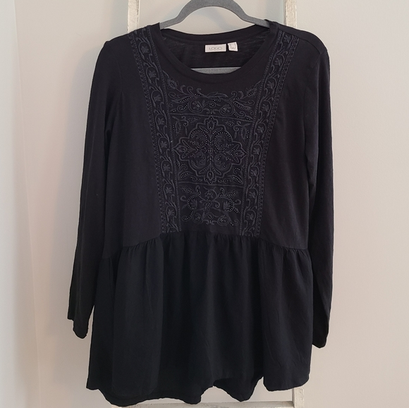 LOGO♡ Embellished Embroidered peplum tunic top